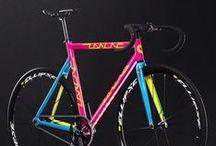 Vélo couleurs | Colored bike / bicycle colors and rainbow unusual / velo et bicyclette de couleurs arc en ciel