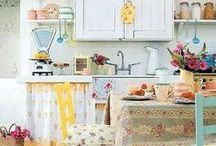 Vintage Kitchen / Inspiration | Vintage Kitchen Decor & Products