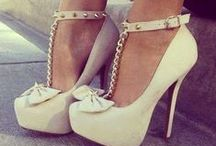 Shoes Shoes Shoes !!! / by Fashion Book