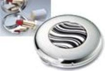 Miroir de poche TROIKA / Miroir de poche TROIKA avec de la résine. Une très bonne qualité pour un prix vraiment raisonnable ! http://www.bijouterie-influences.com/search.php?search_query=miroir+de+poche