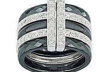 Bijoux GUY LAROCHE / Bijoux GUY LAROCHE en céramique noire ou blanche sur de l'or gris, sertis de diamants.  http://www.bijouterie-influences.com/81_Guy-Laroche