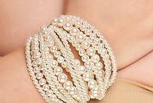 Pearls /     Pearls are always appropriate - Jackie Kennedy http://www.fluxymedia.com