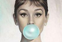 Tiffany Blue Photo Shoot / Colour inspiration for a photo shoot with Tiffany blue theme