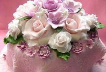 Pretty Elegant Cakes / by Sharyn Richards