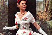 Antique and Vintage Fashion / Dresses that make me weak-kneed.