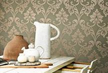 Classic Damask Wallpaper | Walls Republic / A Designer's Dream – Walls Republic has a wide range of Damask wallpapers offering you a rich traditional damask pattern, modern twist on a damask pattern, and everything in-between. Select the colour, style, and finish that suits your taste and will transform your space. Damask traditional home wallpaper by Walls Republic.