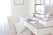 INTERIOR | Schreibtisch Desk Organisation & Inspiration / Ich liebe Schreibtische und Schreibwaren - natürlich habe ich ein Board wo ich meine liebsten Schreibtische und Organisationen pinne!