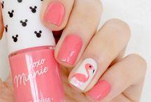 BEAUTY | Nägel Nail Art Design / Einfach und süße Nageldesigns, hübsche Lacke und alles rundum Fingernägel. Bei mir muss es da ganz einfach und schnell gehen - ich hasse es lange auf meine Nägel warten zu müssen!