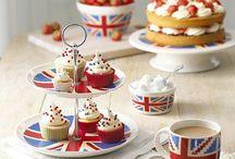 LOVE | British Tea Party / Nichts geht über Tee! Am besten veranstaltet man dafür eine echte Britische High Afternoon Tea Party mit kleinen Sandwiches und Kuchen!