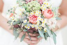 HOCHZEIT | Blumen und Blumensträuße / Wie fotografiert man am besten den Blumenstrauß auf einer Hochzeit? Wie setzt man Blumen richtig in Szene? Inspirationen pinne ich auf diesem Board!