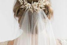 HOCHZEIT | Haarschmuck / Wie man seine Haare zur Hochzeit stylen kann. Süße Ideen für Haarschmuck & Inspirationen für deine Hochzeit!