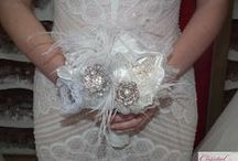 Feather Wedding Bouquets / Beautiful Bridal Bouquets with lots of feathers and of course a bit of sparkle!