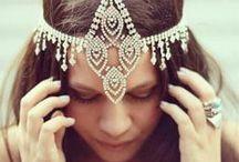 Boho Bridal Headpieces / Cute bridal headpieces to add to your bridal look.
