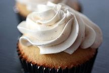Cupcakes with Vanilla / All recipes include vanilla in some form, whether beans, extract, ground beans (powder), syrup, infused alcohol, or something we haven't thought of yet!