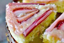 Rhubarb Desserts / The classic accompaniment to rhubarb is—drumroll, please—vanilla ice cream!