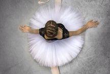 D A N C E / ballerinas costumes pointe shoes
