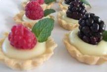 Desserts (Postres,cositas dulces) / Diferentes postres,delicias de Disney world,pequeñeces ricas para distinos acontecimientos.Masas básicas.
