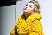 Ve žluté a zlaté barvě / Barbi a ženy a vše ostatní ve žlutém