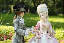 Barbi - historie / Barbi a jiné panenky v historických kostýmech a historický nábytek