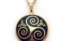 Celtic jewelry / Celtic jewelry in silver, enamel and other materials. Handmade in Galicia. No tax charge.