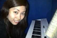 Lets play piano ! / I can teach you playing piano, keyboard, and organ (electone) in Jakarta. Just contact me for further info !