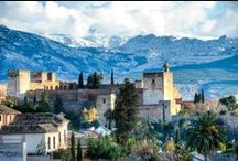 Dobla de Oro / Un paseo por la historia entre la Alhambra y el Albayzín:  La Alhambra y el Albayzín están hoy más cerca. Las une la Dobla de Oro, un itinerario cultural y turístico promovido por el Patronato de la Alhambra y Generalife que trata de impulsar los estrechos vínculos entre el barrio más antiguo de la ciudad y el conjunto monumental, ambos declarados Patrimonio Mundial por la Unesco.  Más información en nuestra web. / by Alhambra de Granada