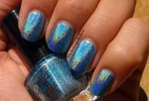 HOLOTHON / gallery of holographic nail polishes