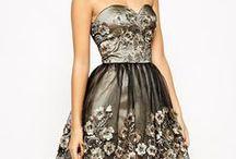 """Sukienki (dress) / Na tej tablicy są sukienki, suknie które wpadły mi w oko i mi się spodobały. Na okładce tej tablicy jest pokazana sukienka która mi się szczególnie podoba i bardzo chciałabym taką mieć. Wszystkie tutaj sukienki są w moim stylu. To jest kategoria """"moda""""."""