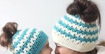 Crochet Bun Hat Patterns / Find crochet patterns (free and paid) and get inspirations for crochet messy bun hats and ponytail hats