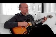 Get John Scofield's Sound! / From the blues to jazz and funk to rock, John Scofield most certainly isn't a guitarist limited to playing within the confines of a single genre. Since his earliest days, Sco has been on the front lines of erasing divisions between different genres by pushing his own musical boundaries and abilities, creating many unique hybrid genres in his wake.