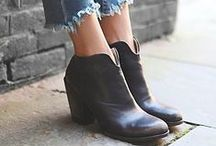 Styles to flatter larger feet