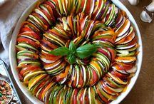 Soups & Salads  / Salads, soups