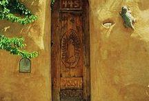 Portas, portões, portais
