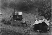 Appalachia Resilient People / Appalachia - holler of aching 3rd world poverty in the USA. Civil war, coal miners, poor farmers, moonshine,mountain feuds, logging. Each taking its tole. A wake of ignorance,poverty, isolation, and desolation. They have secured a place in my heart. Appalachia by Shelby lee Adams