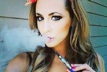 Ladies Love Vaping / Because we love women who love to vape.