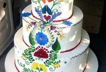 Wedding Cakes / Extravagant or simple? What kind of wedding cake do you choose for your big day?