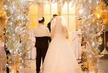 Luxurious Wedding Ideas / Inspiration for your kind of luxurious wedding, from floral decoration to lighting and dresses.
