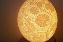Eggshell lamps...lampes en coquille d'oeuf
