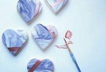 Wedding Favours / One of the earliest accounts of a wedding favor dates back to 16th century England. It was common for couples to give love knots constructed from lace and ribbon to each of their guests as a favor and to represent their bond of love.