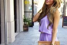 Chic Entrepreneur / Feminine fashion and street styles for classy, chic women. Lots of dresses and skirts!