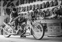 Motorcycle Garage / Everything that belongs in a perfect garage