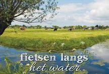 Fietsen langs het water / Nederland is een waterrijk land, het zorgt voor een bijzondere dynamiek in het landschap. Wij nemen je graag mee langs de mooiste plekjes van Nederland en België waar je kunt genieten van uitzichten over de Maas, Waal of andere mooie rivieren. Op zoek naar meer waterrijke fietsroutes? Surf dan naar www.route.nl/fietsroutes/Water/ en laat je inspireren. Of download de gratis route.nl fietsroute-app op www.route.nl/app.