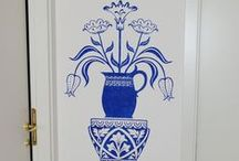 Progetto vaso su parete / Decorazione di una parete a stencil