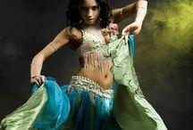 La Dea che Danza... - Goddess and Dance / Non si può danzare senza essere posseduti da uno spirito antico divino e potente: la Dea e' la danza e io danzo la Dea.