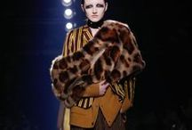 Dries van Noten / Dries van Noten has been available at Pauw for more than 30 seasons. A perennial favourite that has become a world-renowned brand, famous for the eclectic and romantic aesthetic.