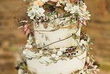 Wedding Cakes / Inspiration for your wedding cake. Beautiful and elegant styles #weddingcakesideas #minimalweddingcakes #rusticweddingcakes