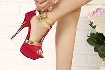 Who´s that girl? / Cute, Avant Garde, Chic; just Fashion, Fashion, Fashion! / by Jennifer Storch