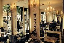 Salon de coiffure / Salon de coiffure parisien situé dans le 19ème arrondissement de Paris proche de la porte de la Villette. Lydie Coiffure vous propose un service de qualité entre les mains de nos coiffeurs expérimentés dans une ambiance chaleureuse et conviviale. Découvrez notre salon de coiffure sur lydiecoiffure.com