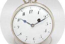 Excelente Coq Repetição de Horas e Quartos, ca. 1850 / Grande relógio Francês, com função de repetição de horas e quartos, ca.1850. Trata-se de uma peça que mede 5.6 cm de diâmetro e está em excelente estado de conservação.