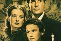 """Familia / Películas que tratan o tema da familia ou abordan de xeito serio temas familiares: relacións pais-fillos, irmáns, avós-netos, etc. Non confundir co topic """"Cine familiar"""": películas -xeralmente de tono lixeiro e amábel- para toda a familia."""